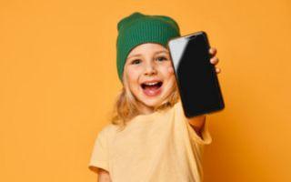 Телефон для ребенка: с какого возраста можно покупать и какой