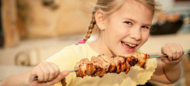 Какой шашлык можно детям: рецепт приготовления
