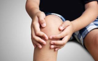 Ушиб колена у ребенка: первая помощь, дальнейшее лечение и возможные последствия