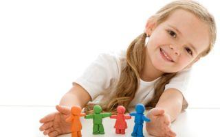 Что делать, если ребенок наелся пластилина