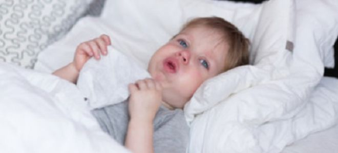 Приступы сухого кашля у ребенка: почему происходят и что делать