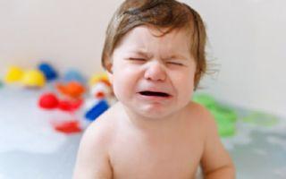 Почему ребенок боится воды и что делать