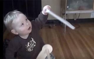 Развитие годовалого ребенка: что он уже умеет?