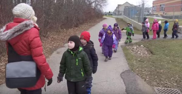 Прогулки с воспитателем