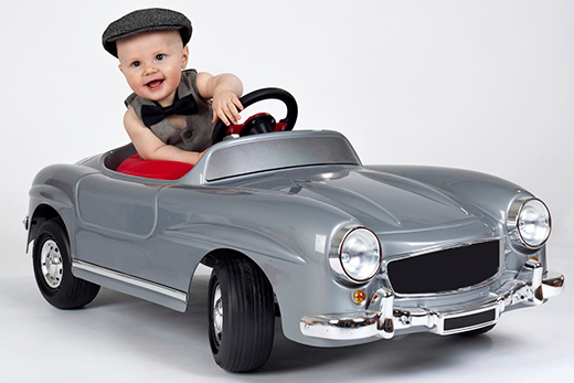 Электромобиль для маленького мальчика