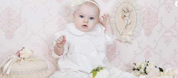 Что подарить на крестины девочке от гостей или крестной? Как выбрать лучший подарок?