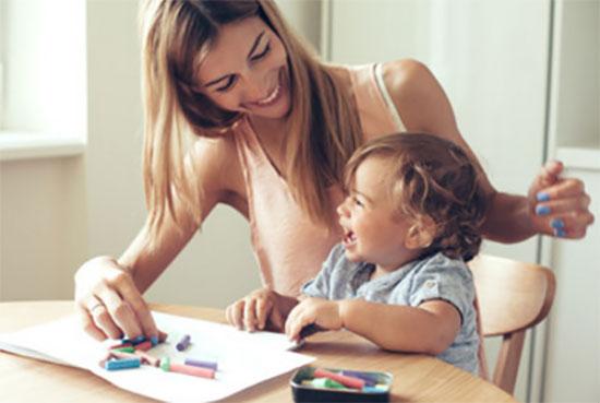 Мама рисует вместе с сыном