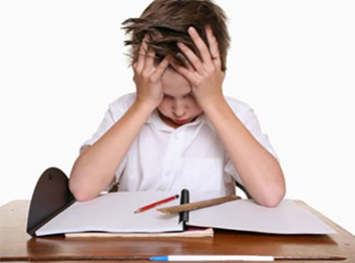 Школьник не хочет учить уроки
