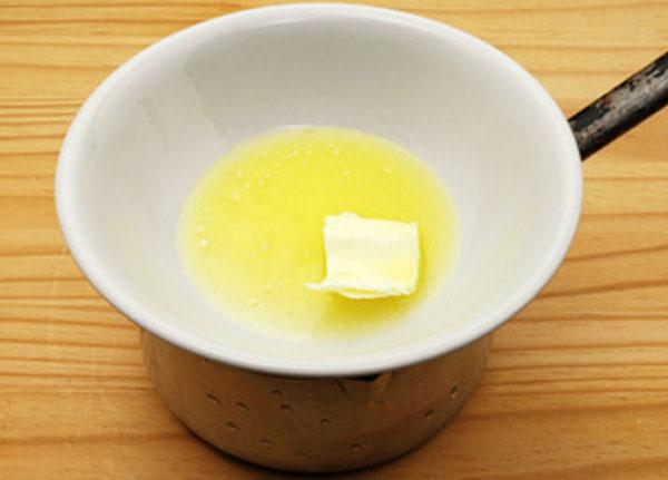 Масло, растопленное на водяной бане