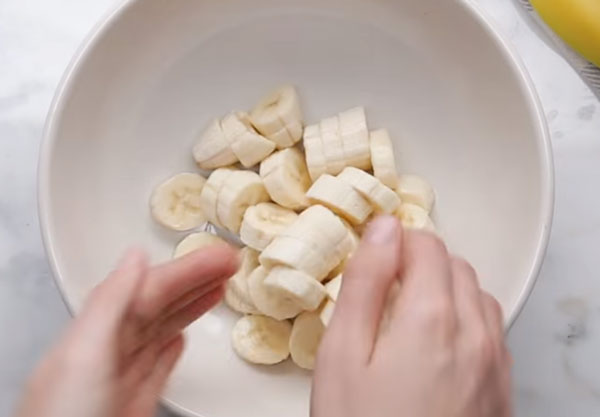Банан нарезанный кольцами