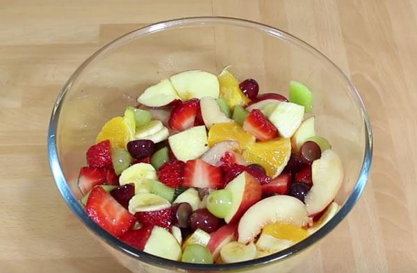 Готовый фруктовый салат