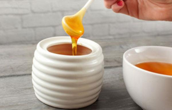 Две емкости с медом