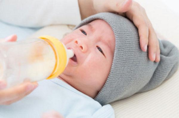 Как понять подходит ли смесь новорожденному ребенку