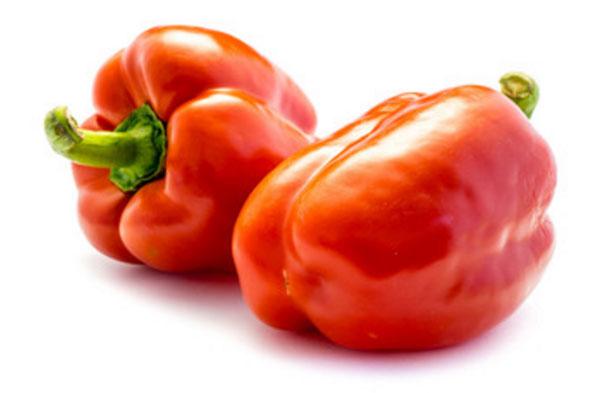 Два красных болгарских перца