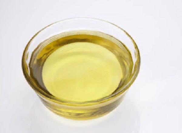 Емкость с растительным маслом