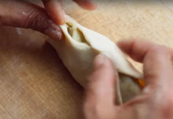 Склеивание пирожка