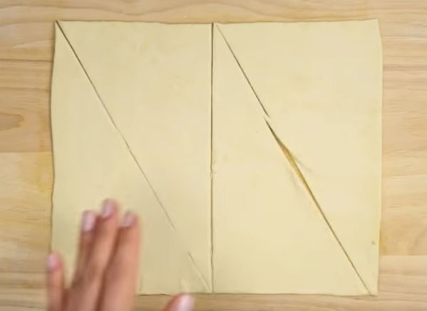Тесто разрезано на треугольники