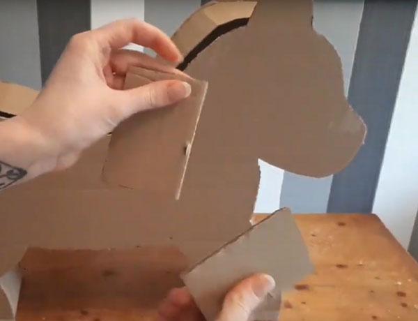 Два кусочка картона
