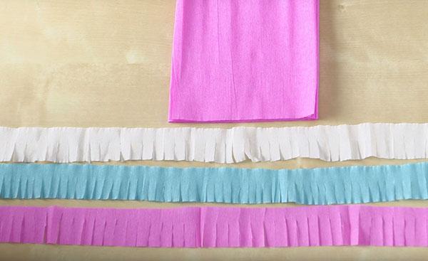 Нарезанные полоски разных цветов
