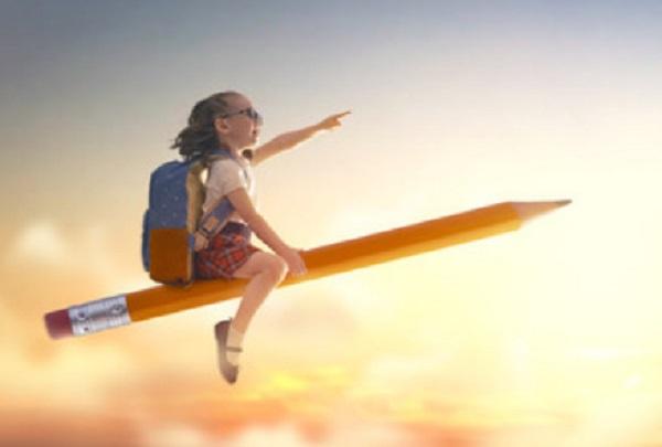 Девочка летит, сидя на карандаше