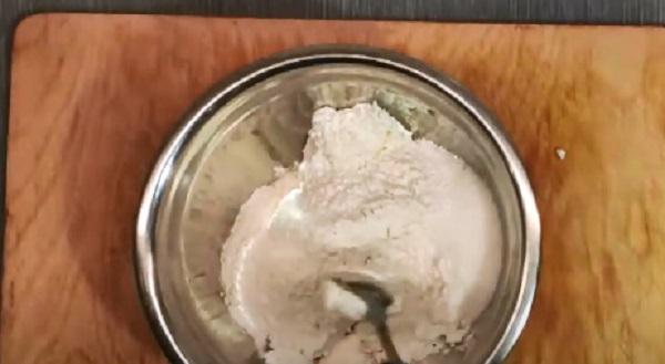Сыпучие ингредиенты в миске