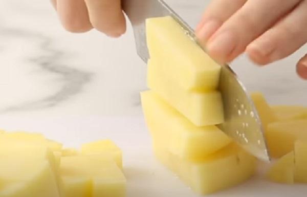 Нарезание картофеля