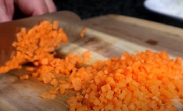 Нарезание моркови